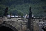 Průvod na Karlově mostě (foto Martin Frouz)