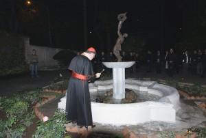 Pan kardinál Duka světí fontánu